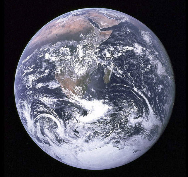 Blue Marble photo - Apollo 17.jpg