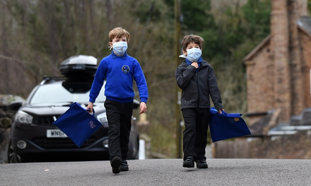 Children w masks-air pollution.jpg
