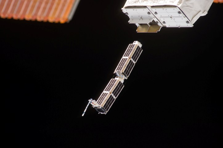 Doves close-up-of-cubesats-leaving-nanoracks-deployer-2014-02-11 m.jpg