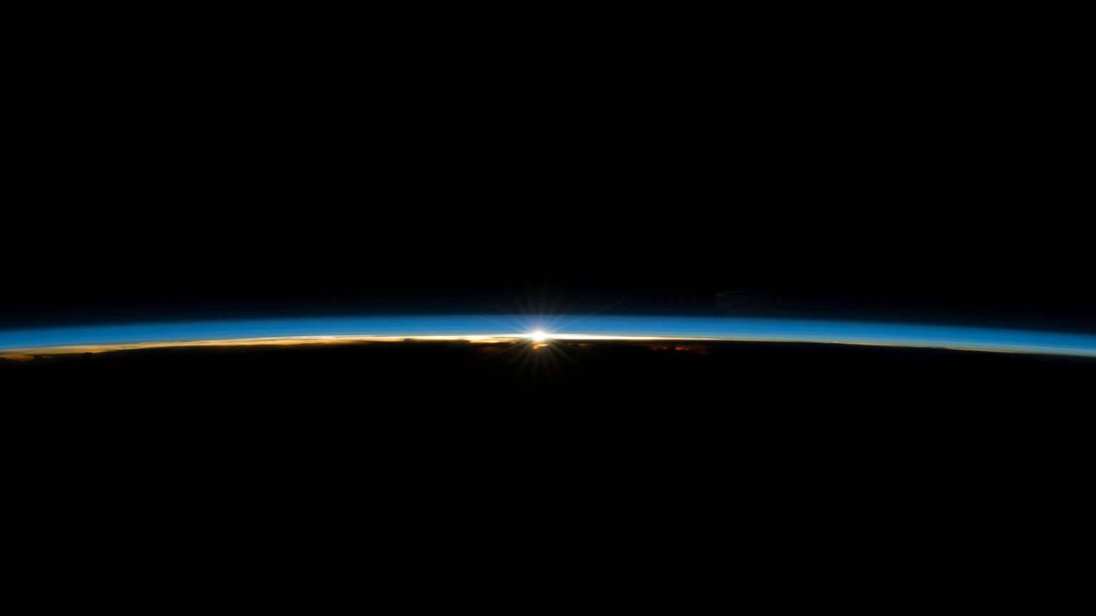 Earth's atmosphere 1536x864.jpg