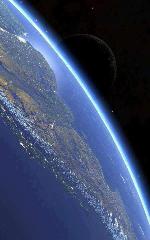 Earth-Thin Blue Atmosphere-Moon image - NASA.jpg