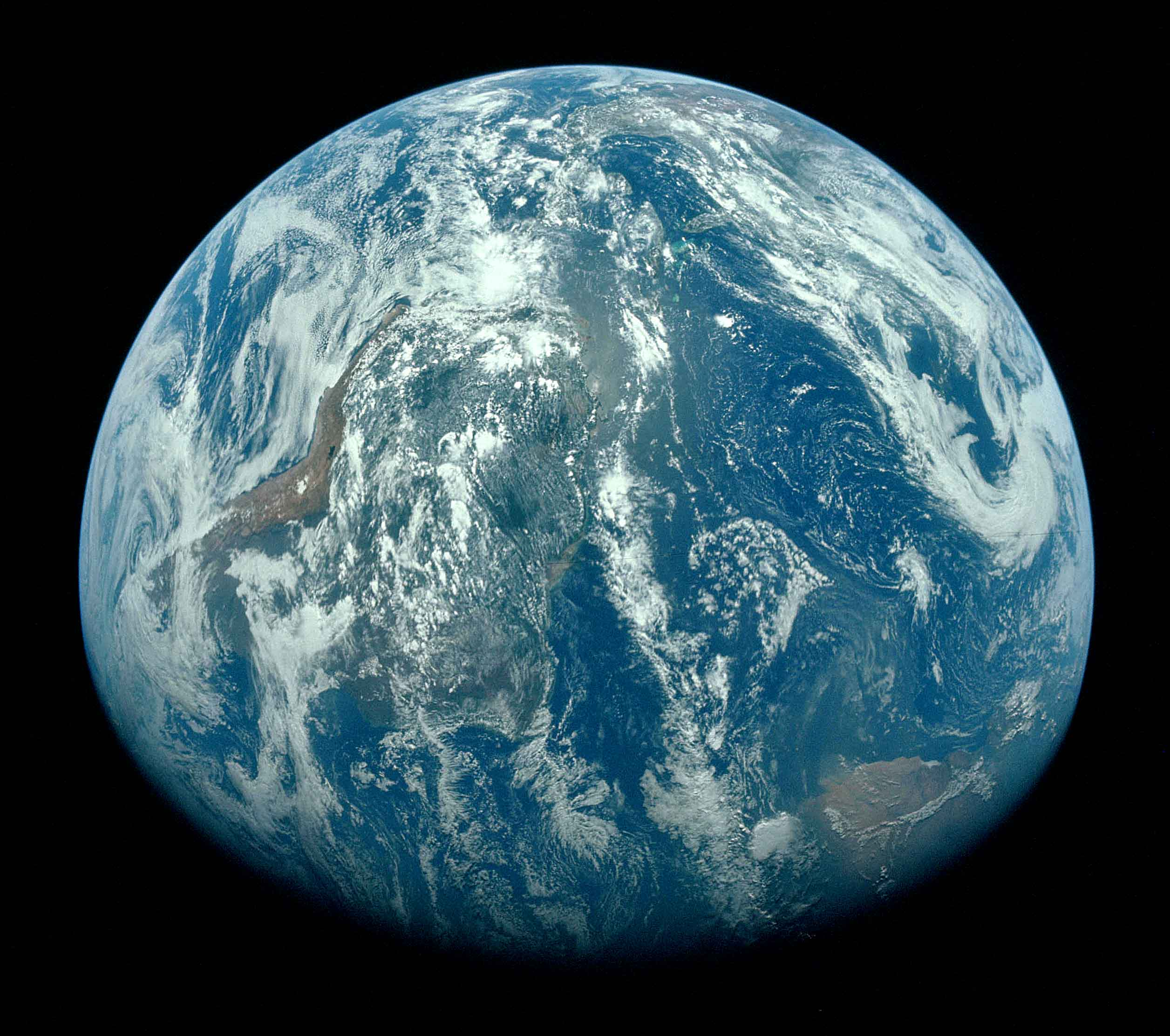Earth Overview Effect.jpg