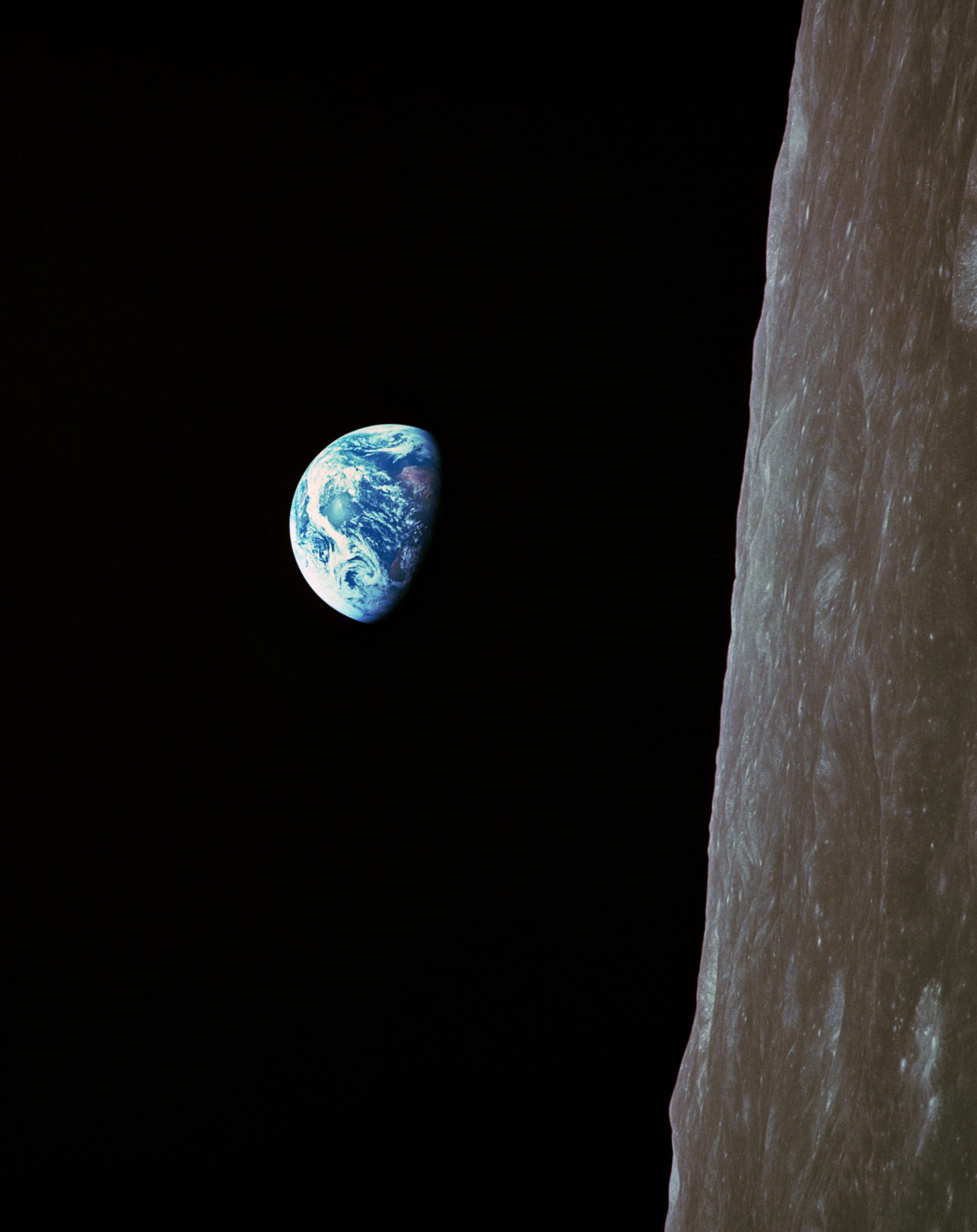 Earthrise EL-2001-00365h NASA Apollo 8 1968.jpg