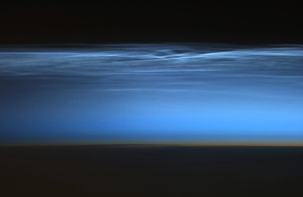 En.wikipedia.org-wiki-Noctilucent cloud - Hadfield 2013.jpeg