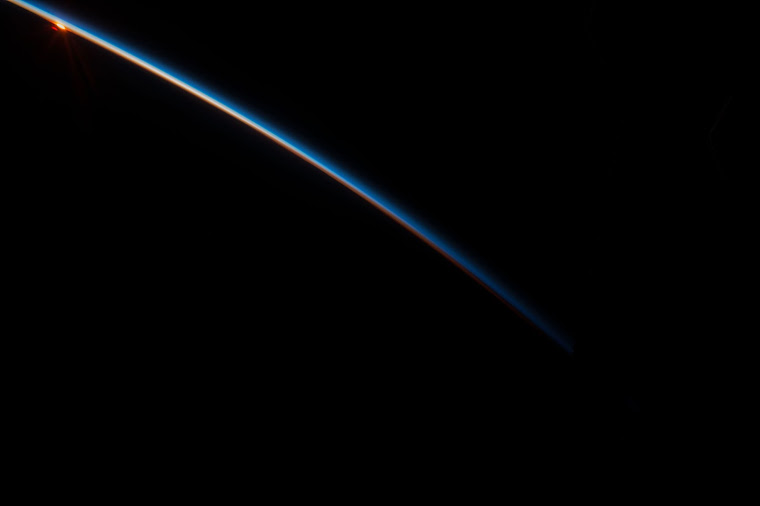 ISS044-E-68968 Sunrise Over New Zealand Aug27,2015.JPG