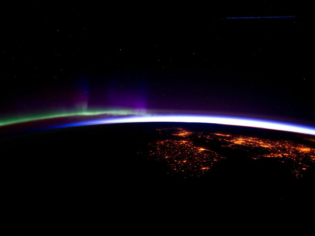 ISS sunrise from space.jpg