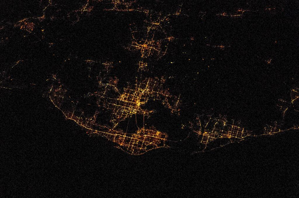 Tampa Bay at Night.jpg